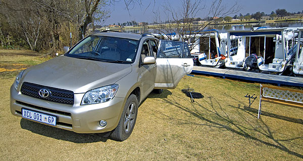 Toyota RAV4 2.2 Turbo-Diesel VX parked alongside houseboats