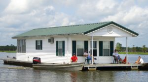 Hire a houseboat