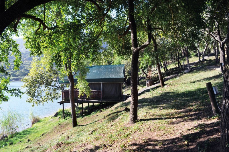 Lodges on Shongweni dam