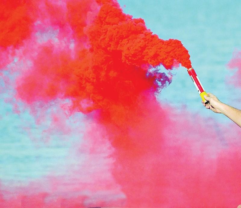 Sea rescue flares